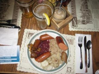 Sausage_n_beer.JPG.jpg