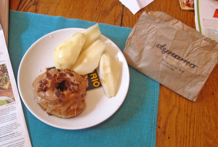 d_donut_w_pear