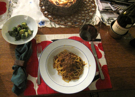 sprouts n spaghetti with sugo